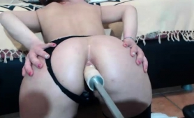 hot-girl-in-stockings-has-a-mechanical-toy-plowing-her-ass