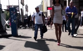 stunning-brunette-babe-with-fabulous-legs-voyeur-upskirt