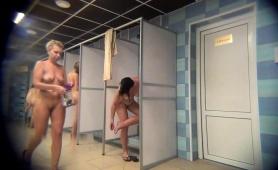 voyeur-spying-on-amateur-russian-ladies-in-the-shower